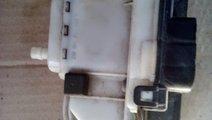 Pompa vacuum inchidere centralizata VW Polo 6N1