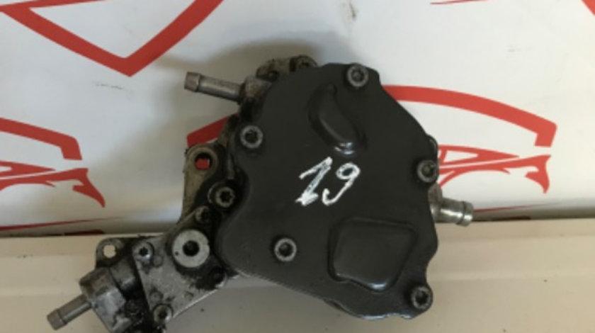 Pompa vacuum tandem VW Passat B6 2.0 TDi 140 cai motor BMP cod piesa : 038145209K