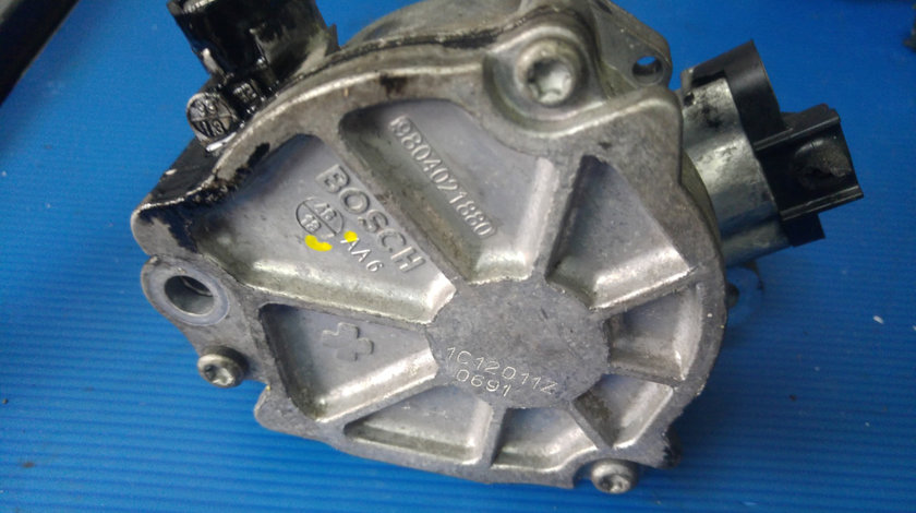 Pompa vacuum ugjc 1.5 tdci ford b-max fiesta focus 3 9804021880