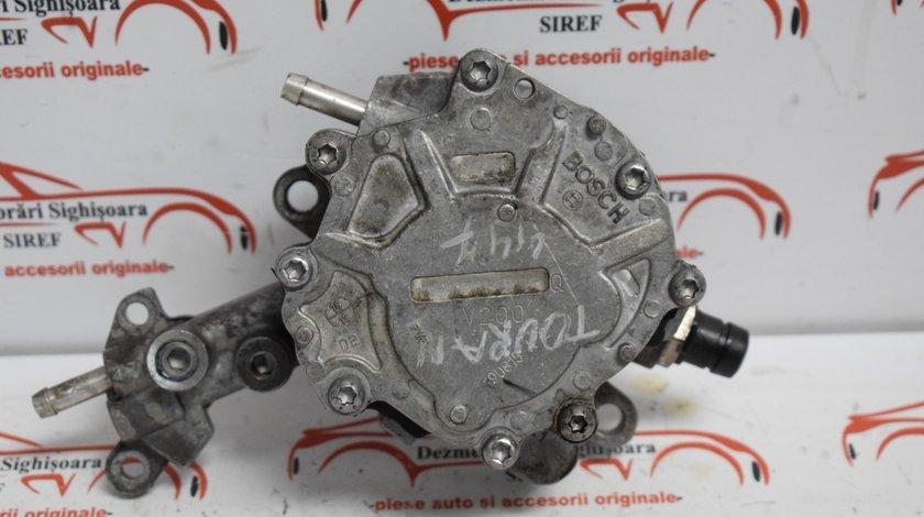 Pompa vacuum VW Touran 1.9 TDI BLS 2006 038145209M 447