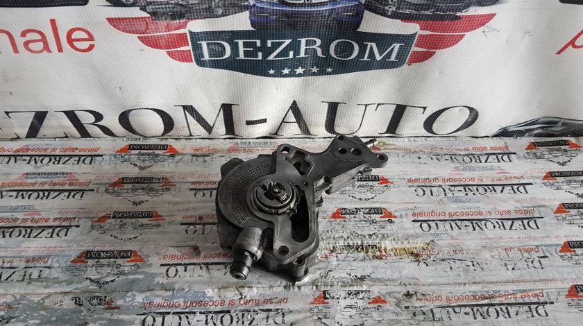 Pompa vacuum VW Touran I 2.0 TDi 140 cai motor BMM cod piesa : 038145209K
