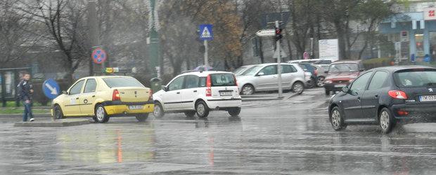 Ponturi ca sa mergi in siguranta cu masina pe ploaie