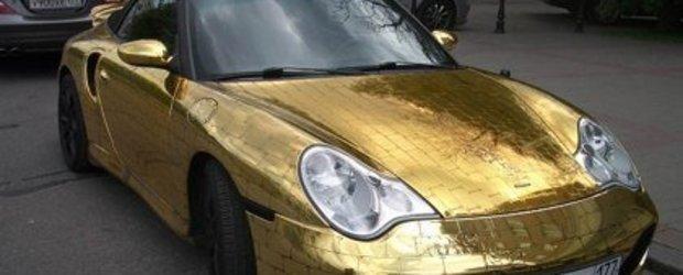 Porsche 911 Cabriolet placat cu aur