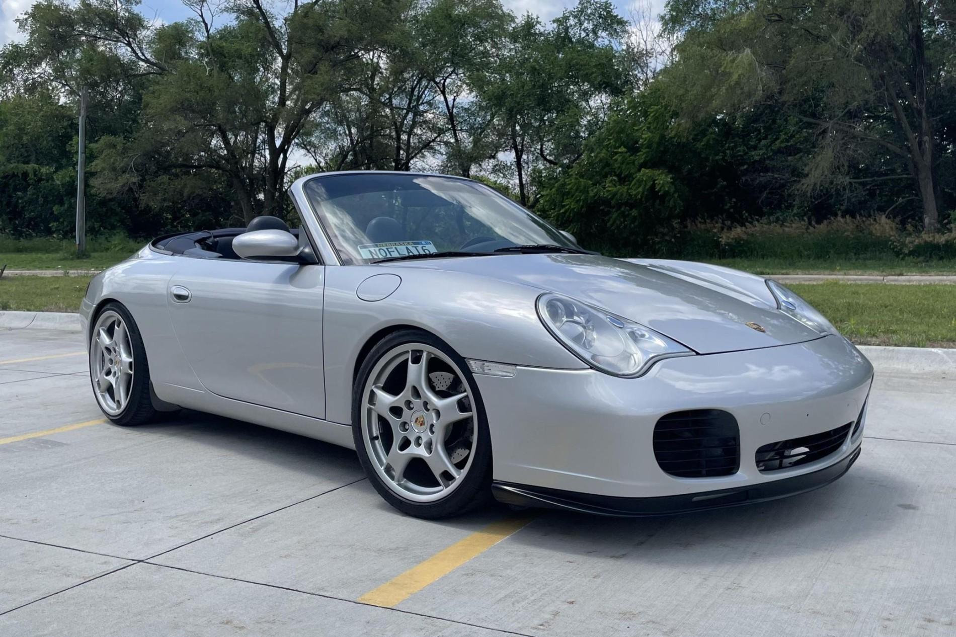 Porsche 911 Carrera cu motor V8 - Porsche 911 Carrera cu motor V8