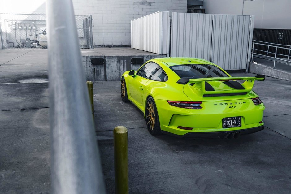 Porsche 911 GT3 in Acid Green