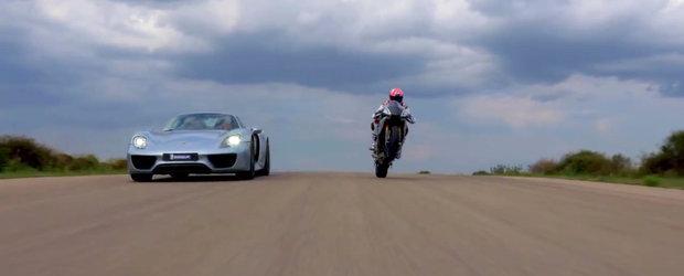 Porsche 918 si Yamaha R1 isi dau intalnire pe circuit, intr-o cursa extrem de incitanta