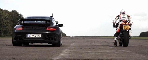Porsche GT2 RS vs. Ducati Panigale: cursa la peste 320 km/h