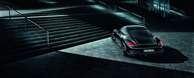 Porsche pariaza in continuare pe negru