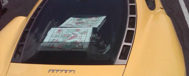 Poza Zilei: Cea mai rapida metoda de a (re)incalzi o pizza