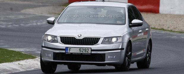Poze Spion: Noua Skoda Octavia RS, surprinsa complet necamuflata