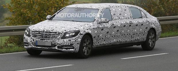 POZE Spion: Noul Mercedes S-Class Pullman iese in trafic cu 6 usi si mult camuflaj