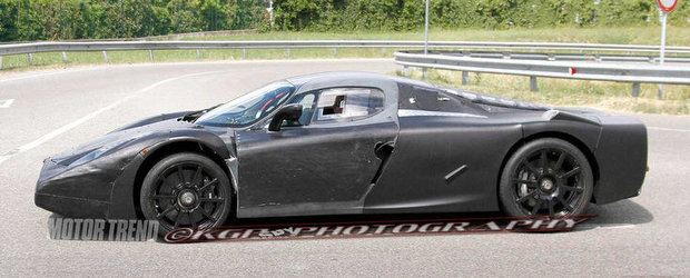 Poze Spion: Viitorul Ferrari F70 isi continua nestingherit testele