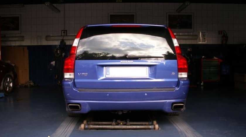 Prelungire adaos fusta spoiler bara spate Volvo V70 2001 2007