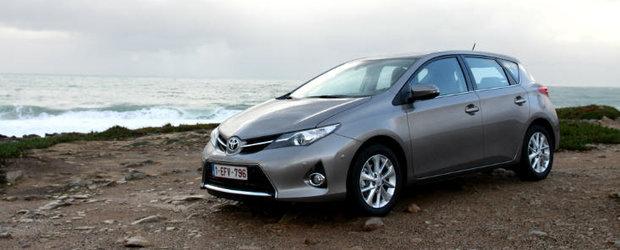 PREMIERA NATIONALA! Test Drive Toyota Auris 2013: echilibru compact