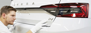 Premiera SKODA: limuzina care face 55 de kilometri fara sa consume strop de benzina intra in productie