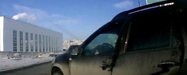 Premiul pentru cel mai prost sofer de Dacia Duster ajunge in Rusia