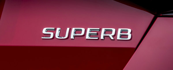 Prima schita cu SKODA SUPERB facelift este aici. La ce sa ne asteptam de la nava amiral a cehilor