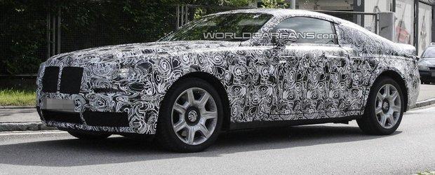 Primele imagini spion cu viitorul Rolls-Royce Ghost Coupe