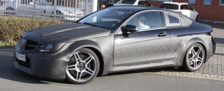 Primele poze spion cu viitorul Mercedes C63 AMG Coupe Black Series!