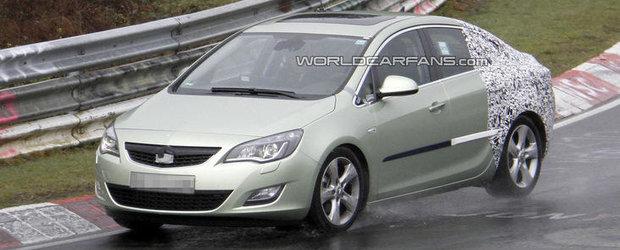 Primele poze spion cu viitorul Opel Astra sedan