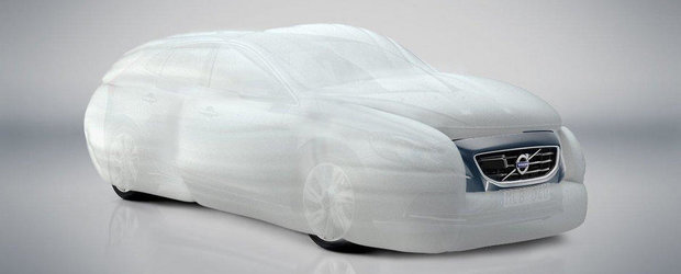 Primul airbag care inconjoara masina in caz de accident vine de la Volvo