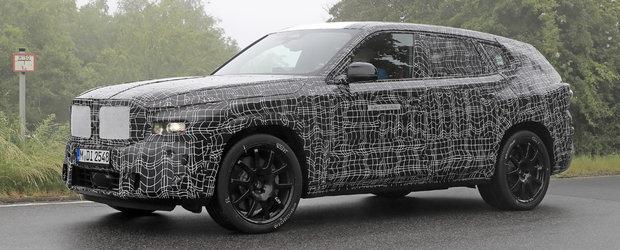 Primul BMW X8 din istorie, surprins din nou in teste. Cel mai exclusivist SUV al bavarezilor ar putea oferi pana la 750 de cai sub capota