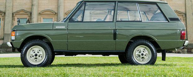 Primul Range Rover construit va fi scos la licitatie