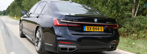 Printre putinele masini care mai pot fi echipate cu V12. De la 0 la 316 km/h cu noul BMW M760Li