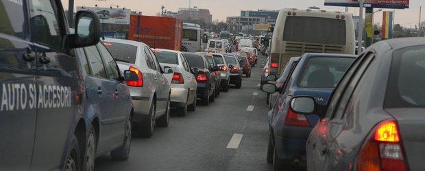 Proiectele Gabrielei Firea pentru trafic sunt halucinante: carburant pentru navetisti si masini la comun