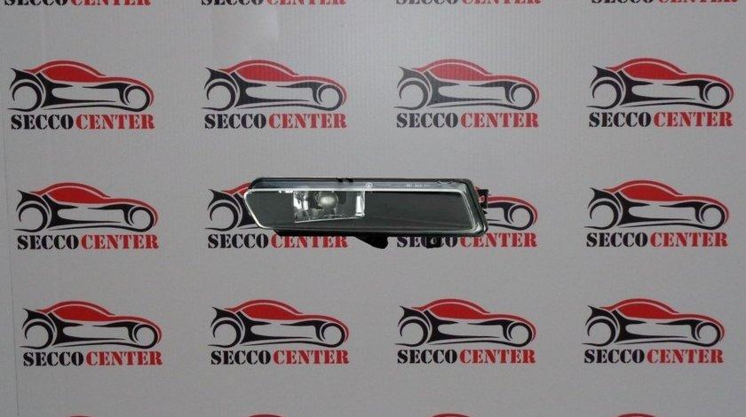 Proiector ceata BMW Seria 1 E88 2007 2008 2009 2010 2011 dreapta