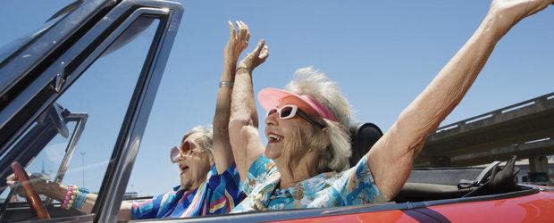 Propunerea se transforma in lege: esti de acord ca pensionarii sa plateasca amenzi mai mici ca angajatii?