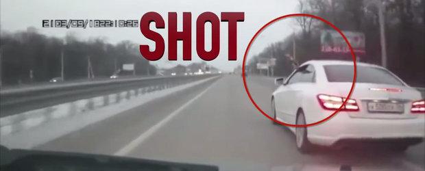 Prostie, impuscaturi, nesimtire: O noua compilatie cu accidente din trafic