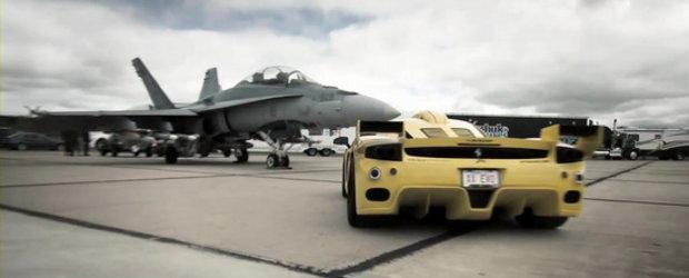Race The Base - Cel mai rapid Ferrari Enzo de pe planeta provoaca avionul CF-18 Hornet
