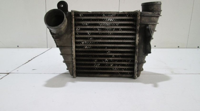 Radiator intercooler Vw Golf 4 / Audi A3 / Skoda Octavia / Seat Leon an 2000-2004 cod 1J0145805B
