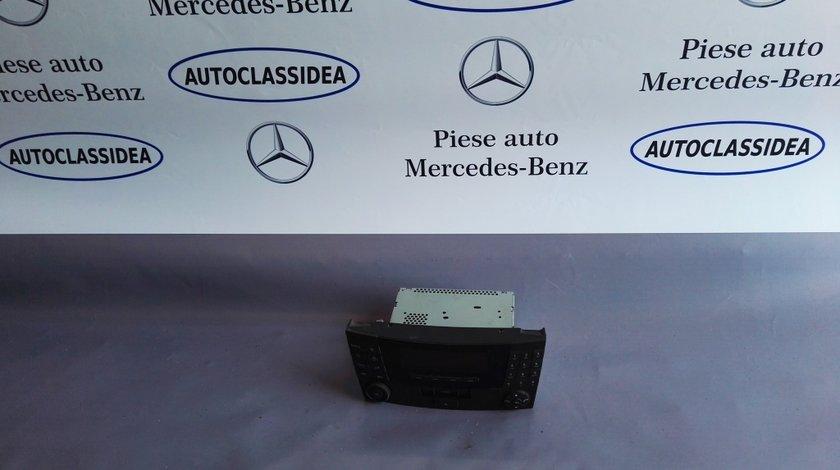 Radio caseta Mercedes A2118200779