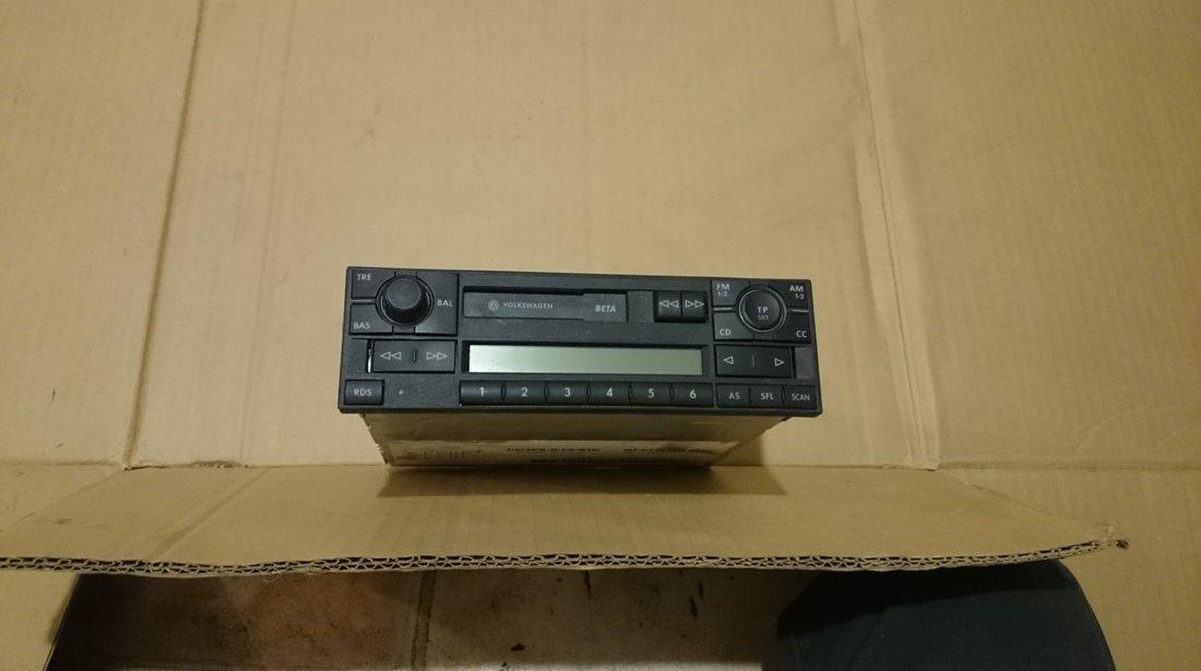 Radio casetofon VW Passat B5, Golf 4, Bora, Sharan cod 1J0035152E
