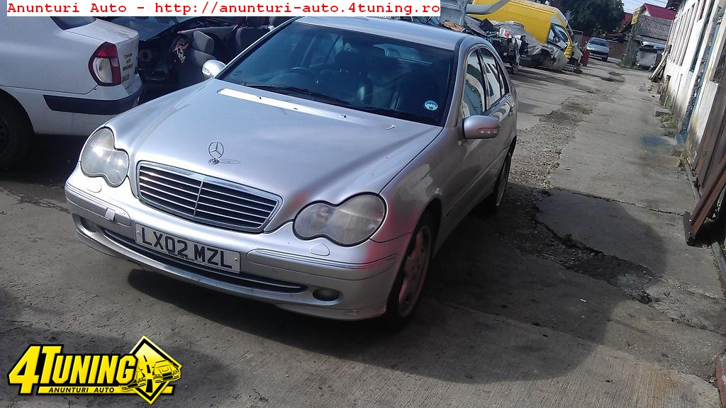 Radio cd Mercedes C 220 W203 an 2002 dezmembrari Mercedes C 220 an 2002
