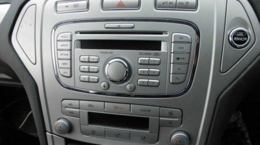 Radio CD Player OEM Ford 6000 Cd 2005-2014 AUX