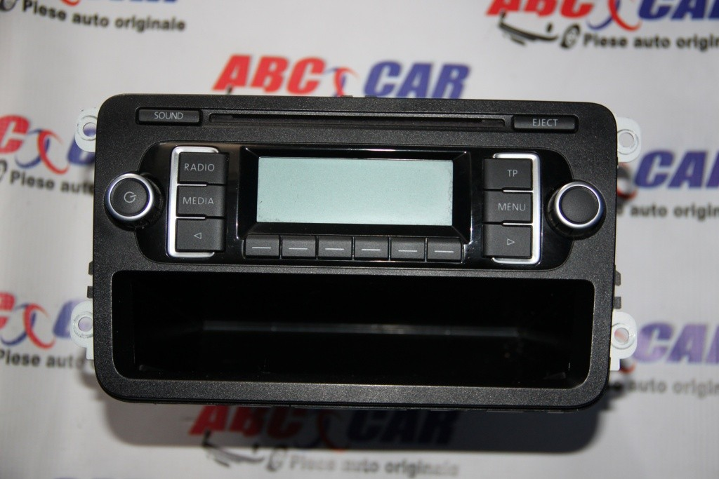 Radio CD RCD 210 VW Golf 6 cod: 5M0035156C model 2011