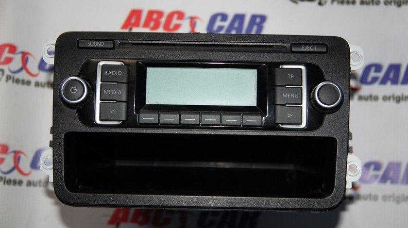 Radio CD RCD 210 VW Golf 6 cod: 5M0035156C model 2011