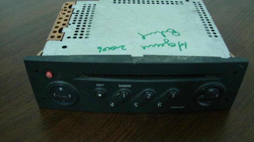 Radio cd Renault Megane generatia 2 [2002 - 2006] Hatchback 5-usi 1.9 dCi MT (120 hp) II (BM0/1_ CM0/1_)