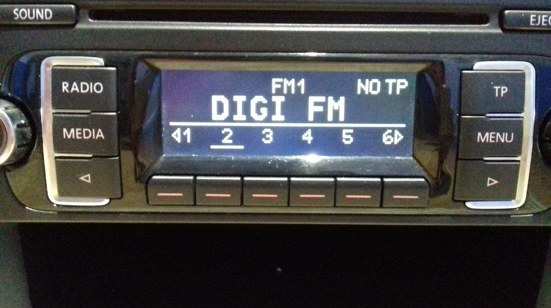 Radio RCD 210 CD-MP3 original VW,T5, Caddy, Tiguan, Touran, Golf VI, Polo, cu cod