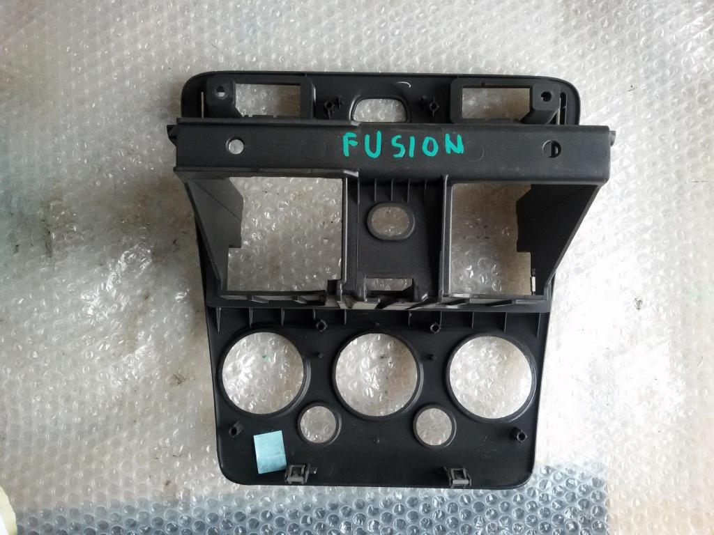 Rama centrala ac radio cd ford fusion f 1.3 benz 2002-2012 6n11n047a04bew