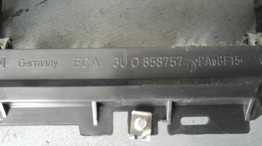 Rama consola centrala skoda superb 1 3u0858757