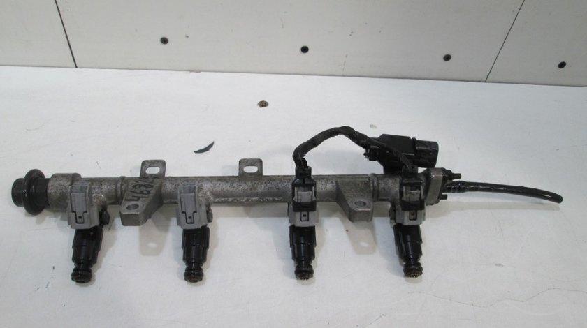 Rampa cu injectoare Hyundai Elantra 3 an 2000-2010