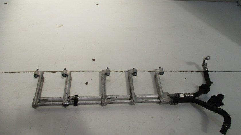 Rampa injectoare dreapta Vw Touareg an 2002-2010 cod 07Z133317K