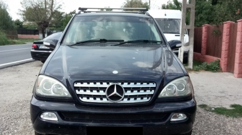 Rampa injectoare Mercedes M-CLASS W163 2004 SUV 2.7 CDI