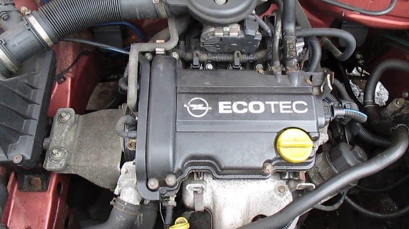RAMPA + INJECTOARE Opel Agila 1.0 Benzina cod motor Z10XEP 44kw 60 CP