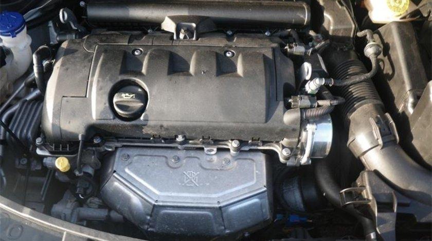 RAMPA + INJECTOARE Peugeot 207 1.4 16V 70 kw 95 CP