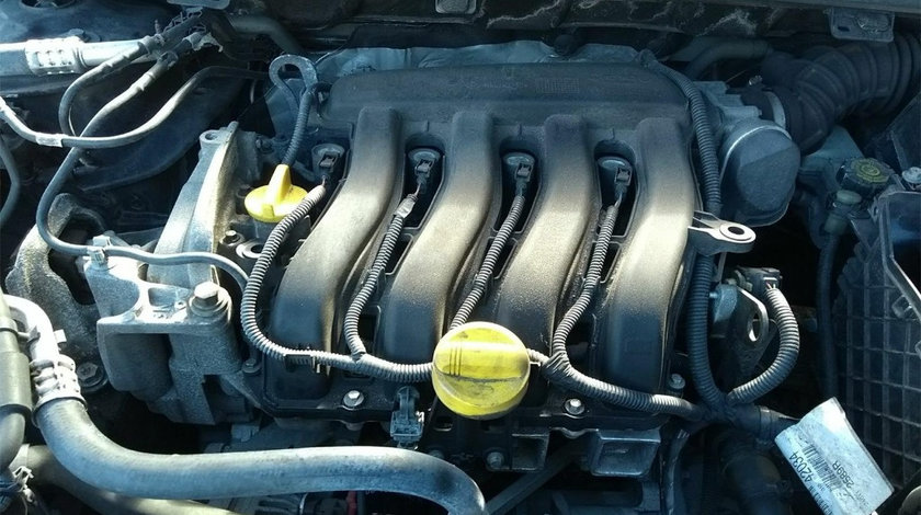 Rampa injectoare Renault Megane 3 2010 Hatchback 1.6 16v